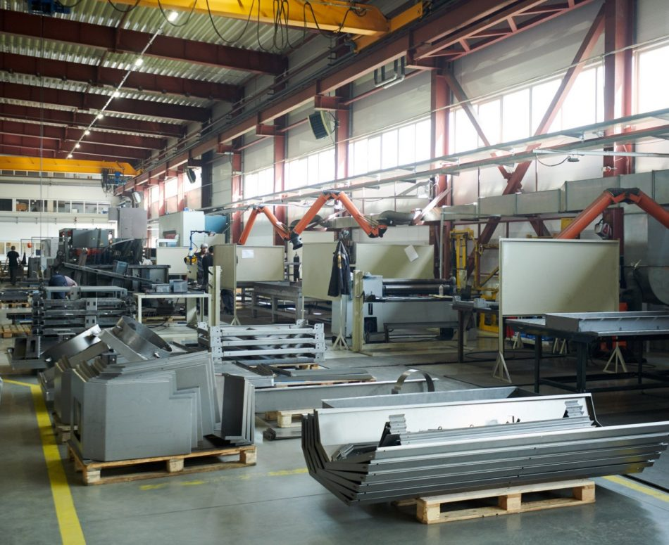 metal-production-A2UJ38X.jpg